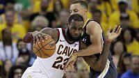 Basketbalista NBA LeBron James opouští tým Cleveland Cavaliers, dohodl se s Los Angeles Lakers na čtyřletém kontraktu.