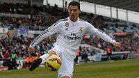 Cristiano Ronaldo v dresu Realu Madrid. Pro ostatní zájemce je prakticky neprodejný.