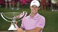 Severoirský golfista Rory McIlroy si umí sportem vydělat.