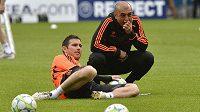 Zadumaní Frank Lampard a kouč Chelsea Roberto Di Matteo vpředvečer finále Ligy mistrů.
