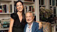 Dvaaosmdesátiletý George Soros se svou přítelkyní