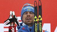 Ruský lyžař Sergej Usťugov na stuňíkch při Tour de Ski.