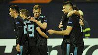 Fotbalisté Dinama Záhřeb se radují z postupu do osmifinále Evropské ligy.