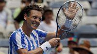 Vítězné gesto českého tenisty Tomáše Berdycha po postupu do 3. kola Australian Open.
