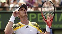 Britský tenista Andy Murray se raduje z výhry nad Španělem Davidem Ferrerem ve finále v Miami.