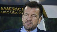 Trenér Carlos Dunga byl odvolán od brazilské fotbalové reprezentace.