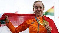 Olympijská vítězka v silniční cyklistice Anna van der Breggenová.