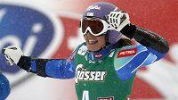 Slovinka Tina Mazeová se raduje z vítězství v obřím slalomu v rakouském Söldenu.