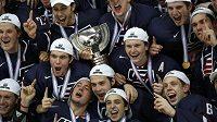 Hokejisté USA potřetí v historii ovládli světový šampionát hráčů do dvaceti let.