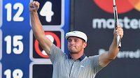 Americký golfista Bryson DeChambeau vyhrál na okruhu PGA podruhé v řadě. Po triumfu v Paramusu nenašel přemožitele ani v Nortonu.