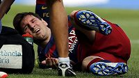 Lionel Messi v péči lékařů.