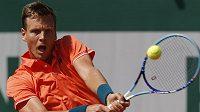 Tomáš Berdych při utkání druhého kola French Open s Radkem Štěpánkem.