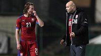 Matěj Hanousek a trenér Jakub Dovalil během přátelského utkání s Dány.