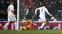 Cristiano Ronaldo dává gól Wolfsburgu v odvetě čtvrtfinále Ligy mistrů
