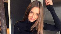 Bývalá moderní gymnastka Karolina Sevasťanovová. Pracuje opravdu jako luxusní společnice?