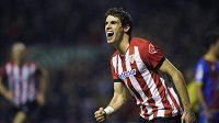 Javi Martinez z Atlétika Bilbao přestupuje do Bayernu.