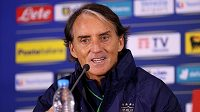 Trenér Roberto Mancini vydrží u italské fotbalové reprezentace až do mistrovství světa v roce 2026.