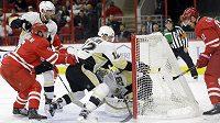 Hokejisté Pittsburghu Penguins Ben Lovejoy (12) a brankář Marc-Andre Fleury (29) se marně snaží zabránit kurióznímu gólu po střele Kris Versteega.