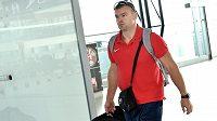 Kladivář Lukáš Melich na letišti Václava Havla před odletem na atletické mistrovství světa v Pekingu.