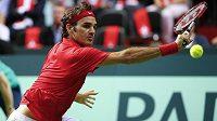 Švýcarský tenista Roger Federer v semifinále Davis Cupu přehrál ve třech setech Itala Simona Bolelliho.