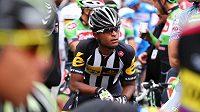 Eritrejský cyklista Natnael Barhaní na archivním snímku při závodu v Turecku.