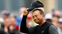 Americký golfista Tiger Woods znovu obešel kolo v paru a dělí se o 29. místo British Open.