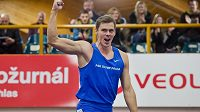 Halové mistrovství České republiky v atletických vícebojích vyhrál mezi muži Adam Sebastian Helcelet z Olympu Praha. Na snímku se raduje ze zdolání výšky 510 centimetrů.