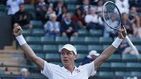 Český tenista Tomáš Berdych se raduje z vítězství nad Australanem Bernardem Tomicem.
