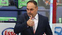 Slovenský hokejový trenér Ernest Bokroš čelí ostré kritice.