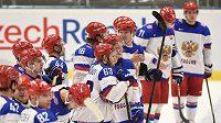 Ruští hokejisté po vítězném utkání.