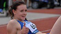 Patnáctiletá sprinterka Nikola Bendová po titulu na mistrovství republiky v Plzni.