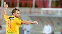 Zbyněk Pospěch z Dukly se raduje ze svého čtvrtého gólu proti Olomouci.