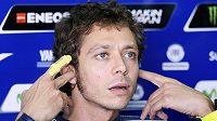 Motocyklová legenda Valentino Rossi utrpěl otřes mozku, v nemocnici ale přes noc nezůstal.