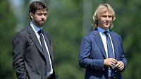 Pavel Nedvěd (vpravo) se má stát nástupcem Andrey Agnelliho a šéfovat turínskému Juventusu.