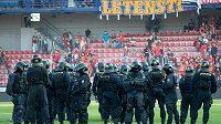 Policisté dohlédnou na utkání Sparty a Baníku (ilustrační foto)
