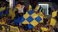 Fanoušci basketbalistů Opavy.