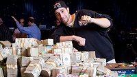 V Kanadě se holduje nejen hokeji, je to i země pokeru zaslíbená. Hlavně po roce 2010, v němž Jonathan Duhamel ukořistil náramek za Main event WSOP.