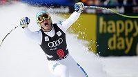 Italský lyžař Christof Innerhofer se raduje z triumfu v Beaver Creeku.