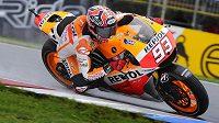 Jezdec kategorie MotoGP Marc Márquez ze Španělska ve volném tréninku na okruhu v Brně.