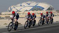 Členky týmu Cervelo Bigla Pro Cycling Team na trati časovky družtev.