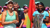 Viktoria Azarenková (vlevo) a Serena Williamsová.