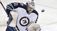 Ondřej Pavelec v dresu Winnipegu Jets.