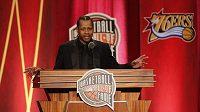 Allen Iverson byl uveden do basketbalové Síně slávy.