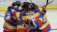 Hráči Sparty se radují z branky proti Boleslavi.