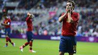 Zoufalá gesta španělských fotbalistů v čele s Juanem Matou po zmařené šanci v duelu s Hondurasem.
