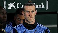 Fotbalista Gareth Bale je pod smlouvou v Realu Madrid, trenér Zidane s ním ale do budoucna nepočítá. Odejde v létě nechtěná hvězda do Evertonu, nebo bude raději sedět v Realu na lavičce?