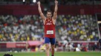 Vítězslav Veselý se raduje z bronzové medaile na olympiádě v Tokiu.