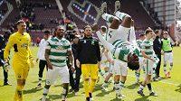 Fotbalisté Celtiku Glasgow slaví mistrovský titul.