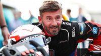 Italský jezdec Max Biaggi se chce o víkendu na letišti v Chateauroux pokusit o překonání několika rekordů v kategorii elektrických motocyklů.