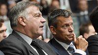 Před týdnem kouč Anglie Sam Allardyce (vlevo) sledoval po boku šéfa FA Martina Glenna slavnostní prezentaci EURO 2020. Nyní se stal objektem vyšetřování FA...